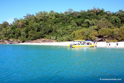 Tourist  Boat on Whitsunday Island