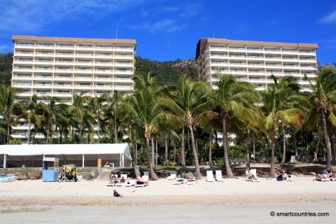 Catseye Beach & Apartments